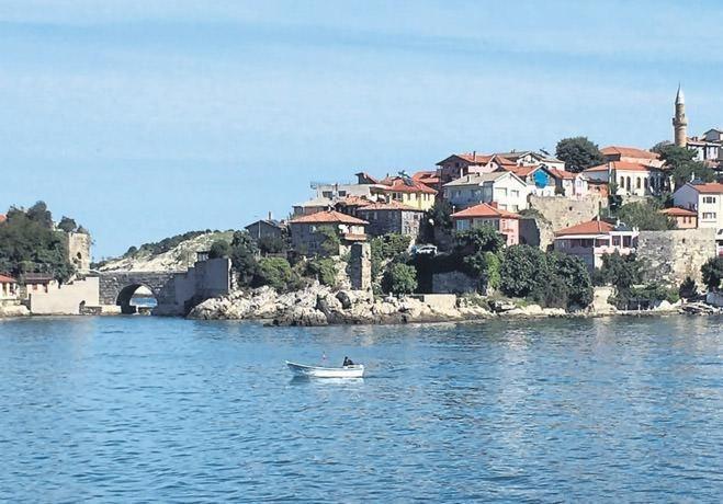 Batı Karadeniz'de bir İzmirli: AMASRA