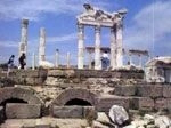 Yunanistan'da Türk Olmak - AKROPOL